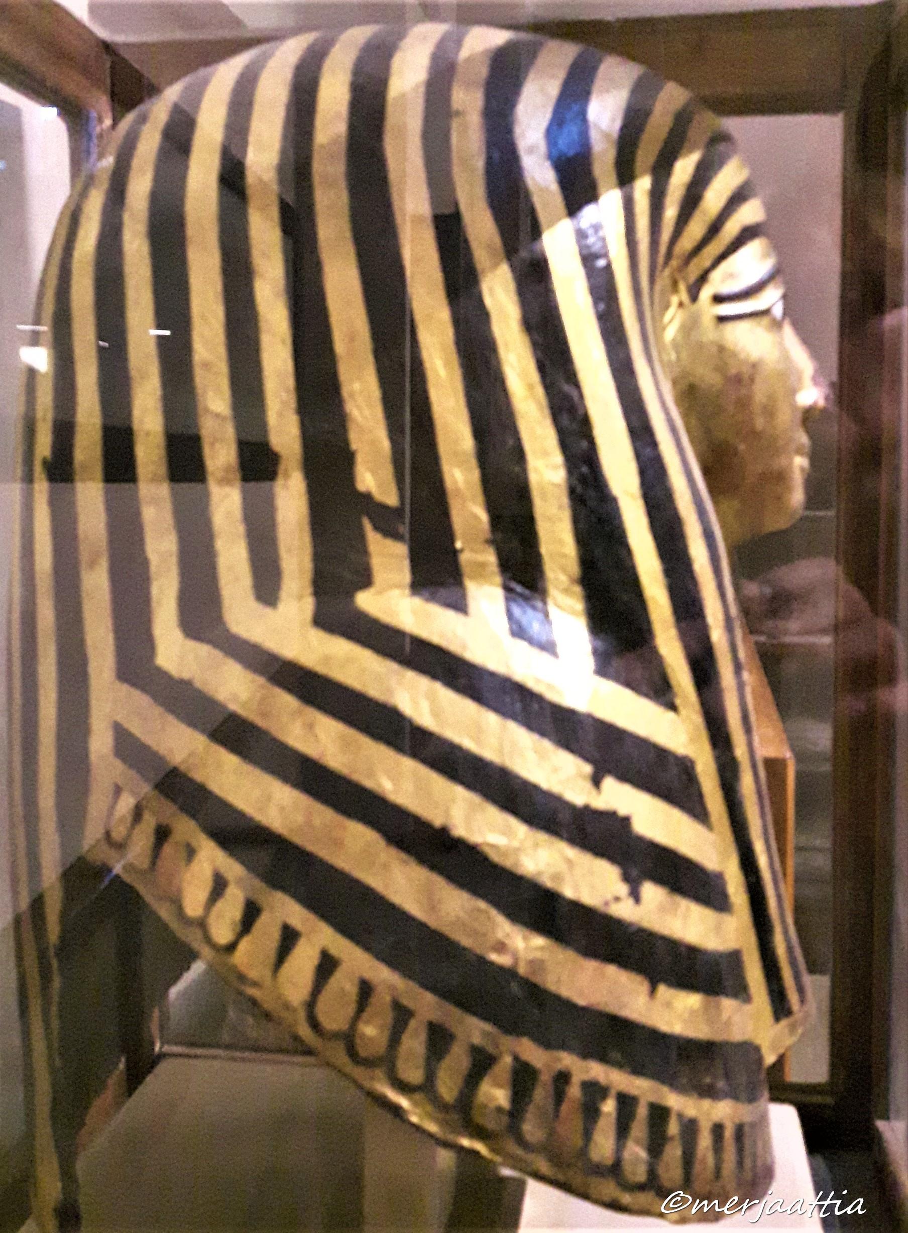 Side of mummy mask