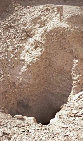 Tomb shaft